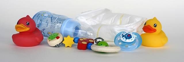 Free photo: Ducks, Toys, Baby Bottle, Diapers - Free Image on Pixabay - 1426010 (64027)