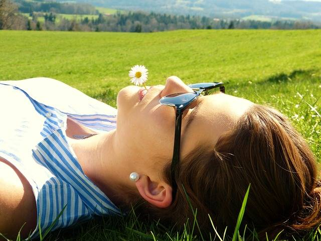 Free photo: Young Woman, Meadow, Concerns, Rest - Free Image on Pixabay - 2194038 (71143)