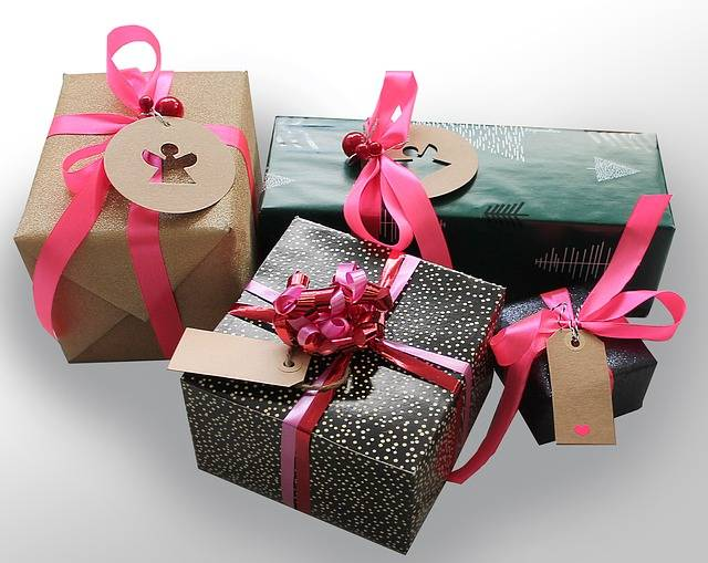 Free photo: Gifts, Gift, Tape, Packages, Skøjfe - Free Image on Pixabay - 1933753 (75930)