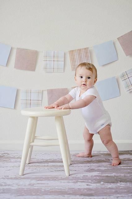 Free photo: Baby, Cute, Stool, Innocence - Free Image on Pixabay - 2433789 (77936)