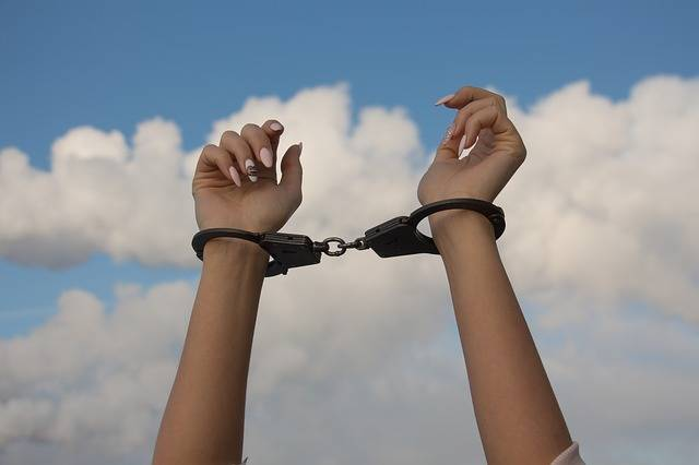 Free photo: Hands, Handcuffs, The Dependence Of - Free Image on Pixabay - 1875444 (78310)