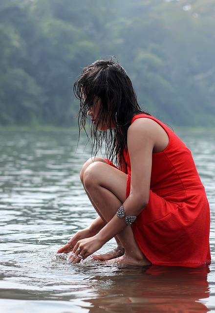 Free photo: Woman, Female, Lake, Water, Beauty - Free Image on Pixabay - 695454 (85418)