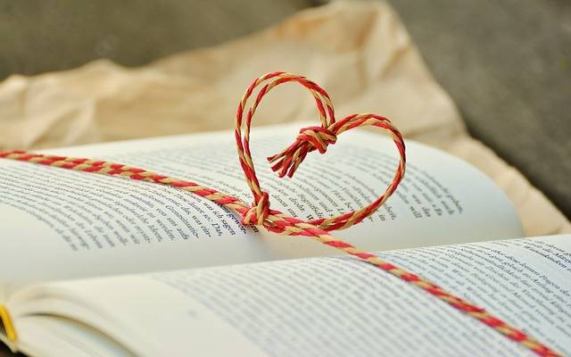 Free photo: Book, Book Gift, By Heart, Cord - Free Image on Pixabay - 1760998 (85569)