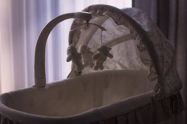 Free photo: Baby, Crib, Cradle, Toys - Free Image on Pixabay - 2617086 (85911)