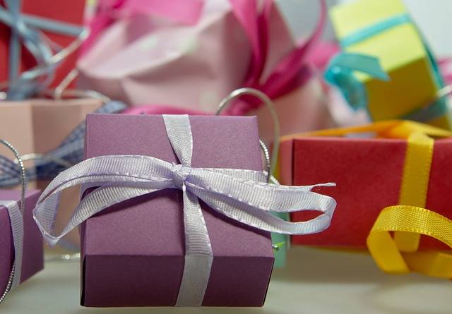 Free photo: Gift, Package, Loop, Made - Free Image on Pixabay - 444519 (90964)