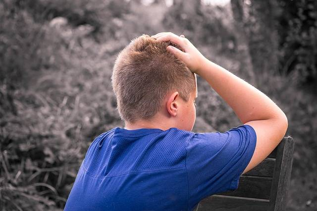 Free photo: Boy, Child, Sad, Alone, Sit - Free Image on Pixabay - 1637188 (92380)