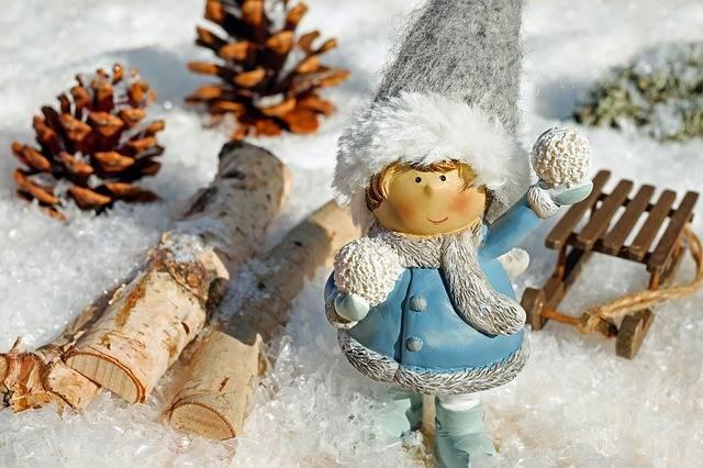 Free photo: Girl, Figure, Snow Ball, Throw - Free Image on Pixabay - 2886637 (93374)