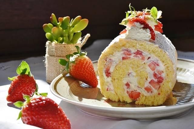 Free photo: Strawberry Roll, Strawberry - Free Image on Pixabay - 1263099 (99663)