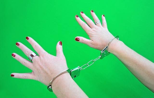 Free photo: Handcuffs, Prisoners, Woman, Female - Free Image on Pixabay - 1694608 (101081)