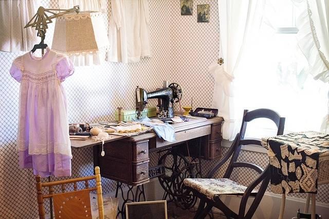 Free photo: Sewing Room, Sewing Machine - Free Image on Pixabay - 2095752 (102507)