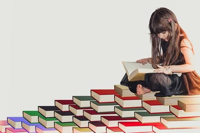 Free photo: Girl, White, Fun, Kid, Literature - Free Image on Pixabay - 3038974 (111102)