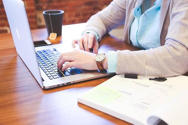Student Typing Keyboard - Free photo on Pixabay (154286)
