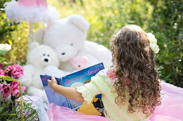 Little Girl Reading Garden Child - Free photo on Pixabay (155383)
