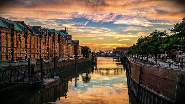 Hamburg Speicherstadt Channel - Free photo on Pixabay (155752)