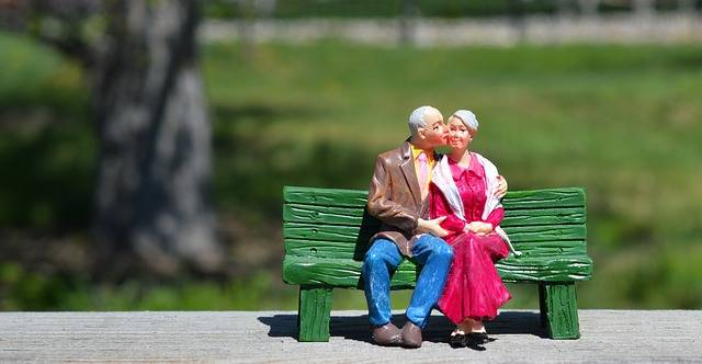 Old Couple Sitting Grandparents - Free photo on Pixabay (156212)