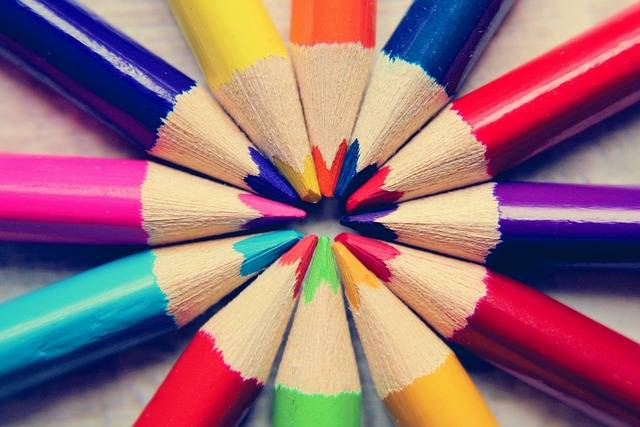 Colored Pencils Paint Heart - Free photo on Pixabay (158636)