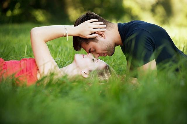 Romance Lovers Happy - Free photo on Pixabay (162145)