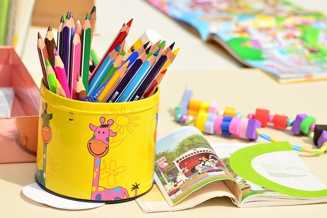 Colored Pencils Pen Box Paint - Free photo on Pixabay (166678)