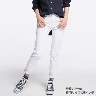 ・柔らかさが魅力のリヨセル混デニムを使ったジーンズ。...