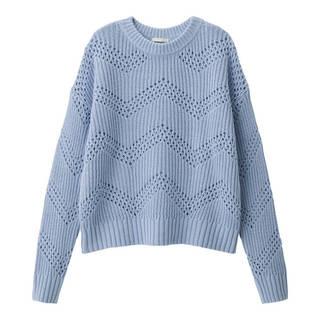 レーシーな透かし編みで可愛らしいセーター。程よくゆった...