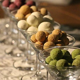 Amazon | バレンタイン ホワイトデー スイーツ MAME-YA(マミーヤ) 豆 お菓子 チョコレート お豆7種×2袋の14個 手土産 | MAME-YA(マミーヤ) | 甘納豆・豆菓子 通販 (170849)