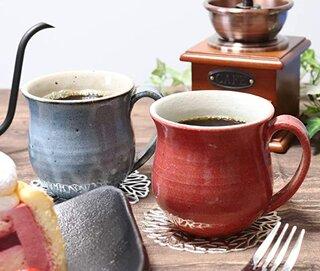 Amazon.co.jp: 信楽焼 夫婦 マグカップ 【彩雲マグ(青・赤)ペアセット w304-05_304-06】 (186770)