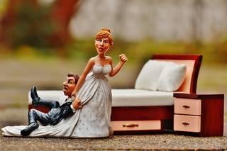 皆どうしてる?「両家顔合わせ」と「結婚式費用」