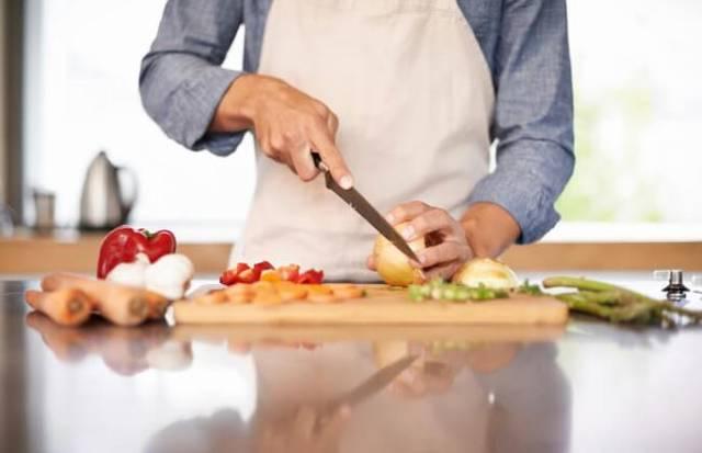 男性の35%が毎日料理しているってホント?!