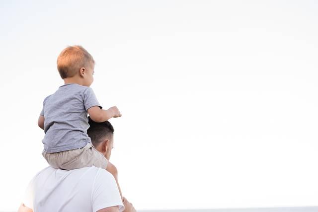男性の育休取得とキャリアへの影響は?