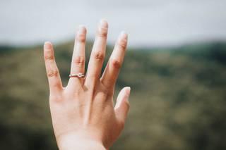 エイジングケアで見落としがちな「手」。女性の老けポイントは顔、髪とならび手が上位に!