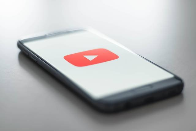 8割のママ・プレママがYouTubeを日常的に視聴!人気のYouTuberは?