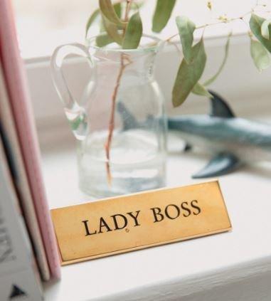機会があれば「管理職」を目指したい女性社員が、意外と多いとの結果が。
