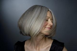 【10月20日は頭髪の日】 「グレイヘア」の流行語ノミネートからもうすぐ1年 「グレイヘア」って実際どう思う?