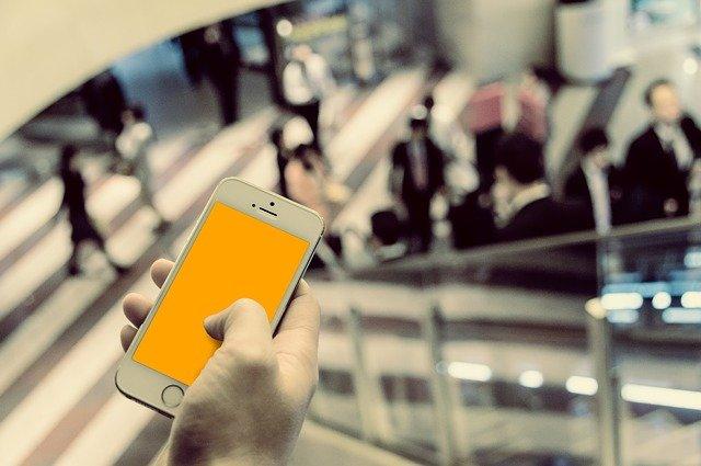 【格安SIMユーザーの実態調査】端末購入は一括払いが6割以上? 9割が◯年以内に乗り換える…!?