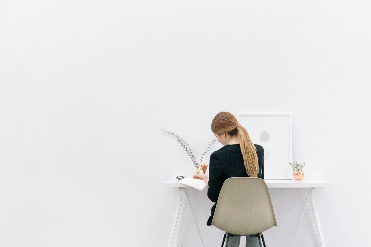 仕事をしている人の84%は「働きたくないと思う瞬間がある」と回答 働く理由に男女差も【働くことについての意識調査】
