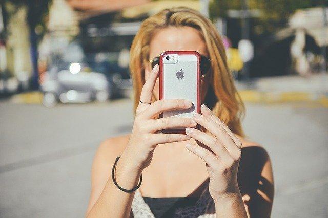 Girl Smartphone Iphone Taking - Free photo on Pixabay (6094)