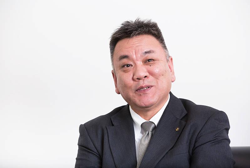 製造本部長の吉川伸昭氏