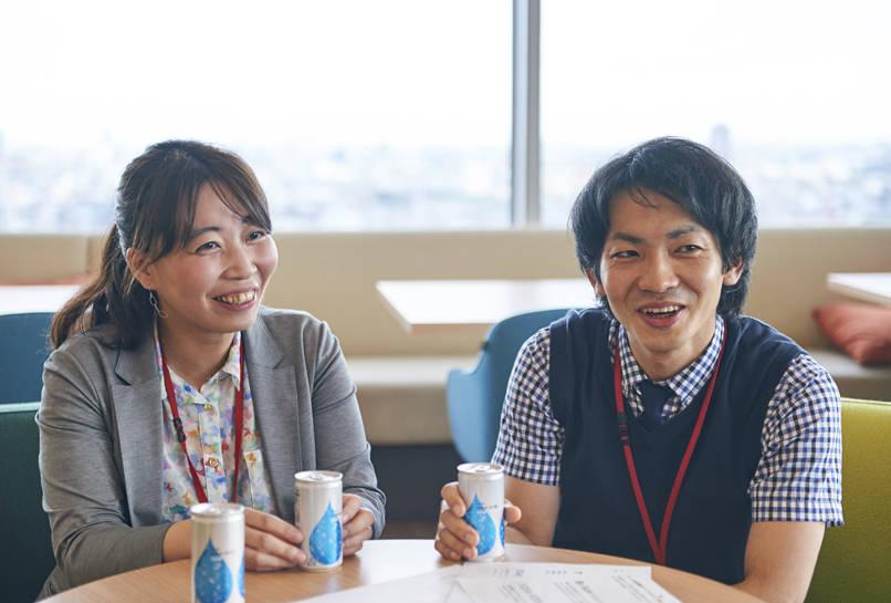 マーケティング部 千葉真裕さん、営業推進担当 土谷友理恵さん
