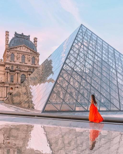 パリとピラミッドとワンピース