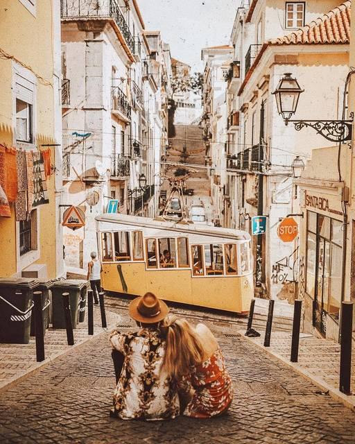 【THE GENIC Vol.95】街を走る黄色い電車に恋してる♡