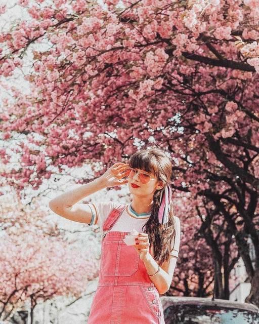 徹底的にピンクに撮る!お花見にはピンクアイテムを導入せよ!