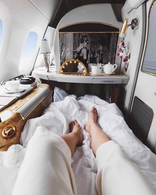 【THE GENIC Vol.222】諦めない!飛行機のラグジュアリークラスで#travelgoalsを目指す!