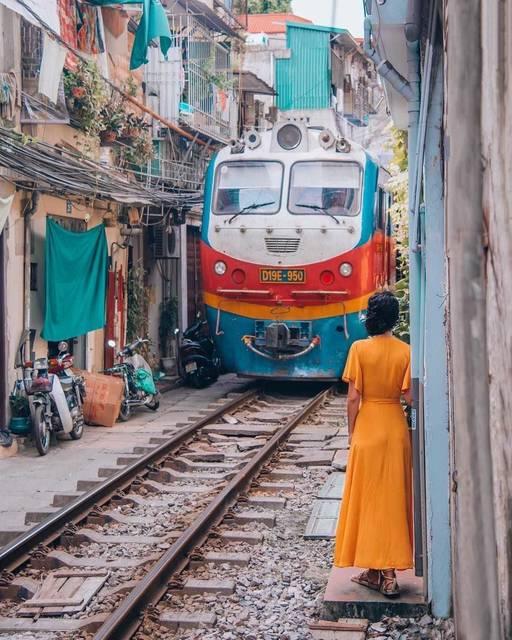そこのけそこのけ電車が通る in ベトナム