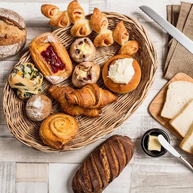 クロスロードベーカリーがおしゃれすぎる!絶品のパンが大人気♡