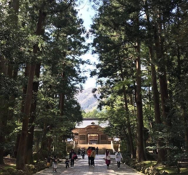 日本人と外国人の写真投稿からフォトジェニック観光スポットを発表!