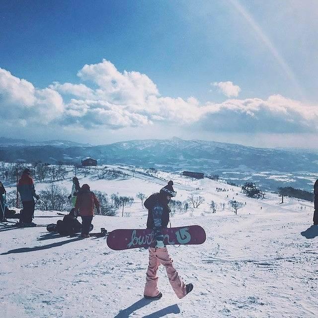 世界一の「雪」は日本にある!北海道ニセコに世界中からスキーヤーが殺到中