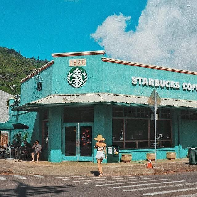 ハワイ・マノアにある緑色のスタバは可愛すぎる人気フォトスポット♡