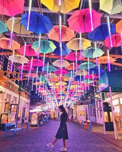 空いっぱいにカラフルな傘!世界各地で開催される美しすぎるイベントを知ってる?