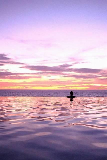 夢みたい!グアム・ハワイの絶景インフィニティプール