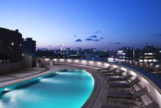 今年の夏の夜遊びは東京の夜景を見ながら優雅にシャンパーニュ♡